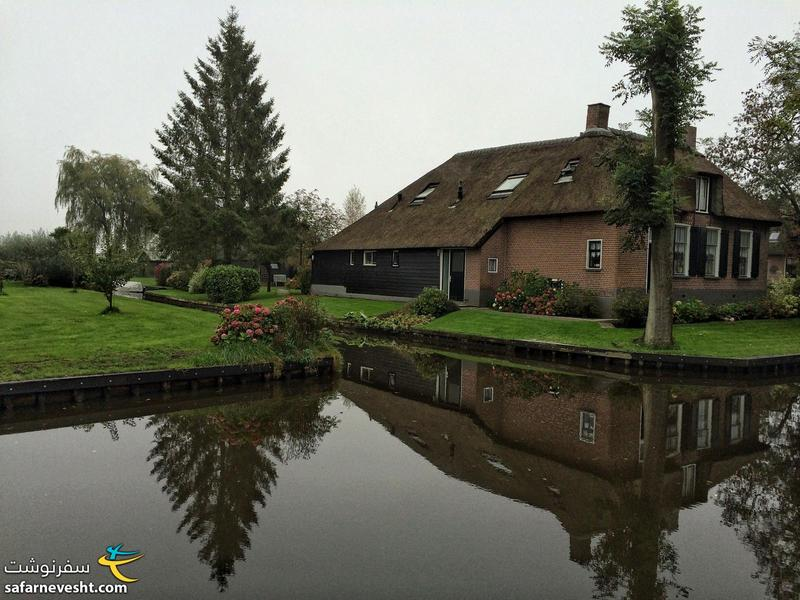 Everything is quiet and peaceful Giethoorn