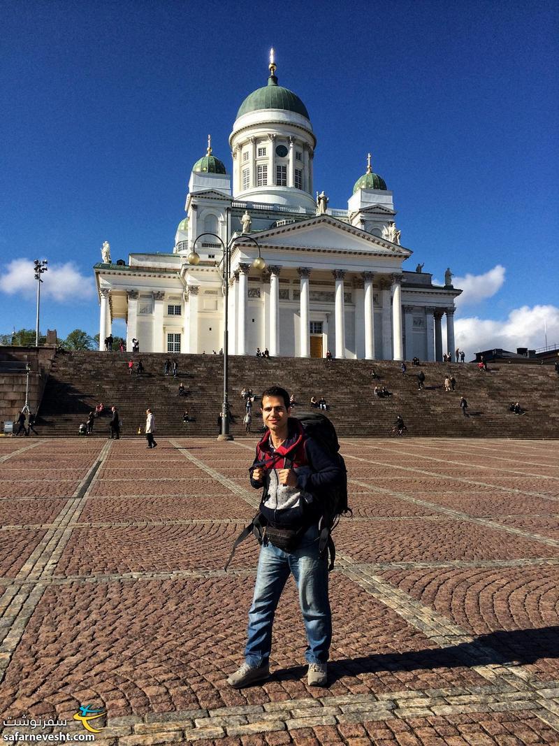 کوله ۶۰ لیتری دویتر که یک کوله ۱۵ لیتری هم بهش متصل شده خیلی خوبه که فعلا ندارمش. هلسینگی پایتخت فنلاند.